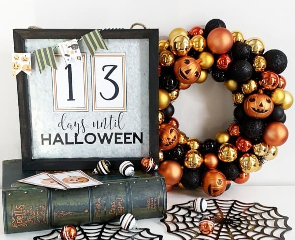 This beautiful Halloween Countdown Calendar by Pineapple Paper Co. would be a great addition to your Halloween decorations
